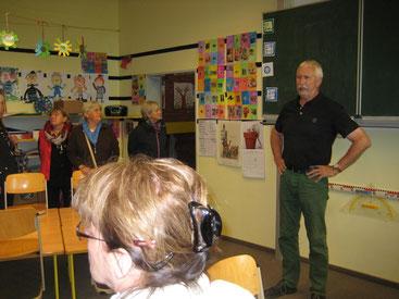"""Schulleiter Boje Lorenz zeigt uns """"seine"""" Schule"""