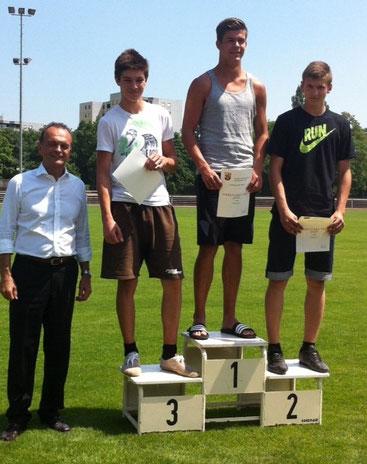 Mit einer Weite con 5,60m sicherte sich Florian Schulze (8d) den 3. Platz