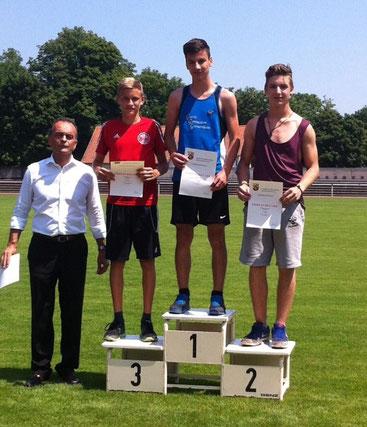 Mit der Superzeit von 2:20 Minuten wurde Dario Prenzyna (8a) 2. im 800m-Lauf