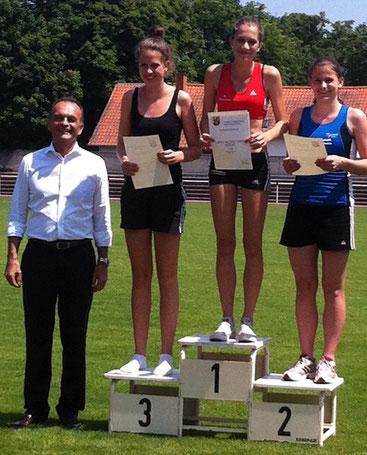 Mit 1,36m erreichte Jana Riether (9d) den 3. Platz im Hoch- sprung
