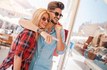 Kleidungsstil und Brille