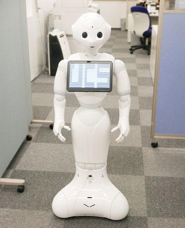 ソフトバンクロボティクス社が提供するヒト型ロボット「pepper」
