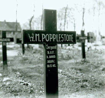 Grave 1.3 on Harlingen Cemetery, Flight Sergeant Popplestone (RCAF) was the pilot of Blenheim Z7307 (Fries Archief Hann 2070)
