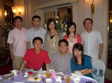 優秀で個性豊かな上海の同僚たちには刺激を受けました。(後列中央が池田さん)