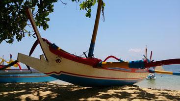 バリ島の釣り船