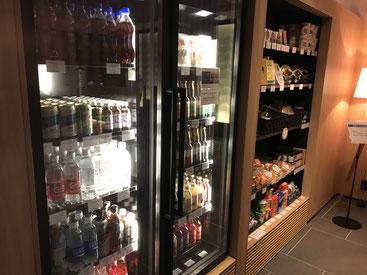 フェアフィールド・バイ・マリオット・栃木宇都宮の売店は地ビールやご当地ジュース、ご当地お菓子やおつまみなど。