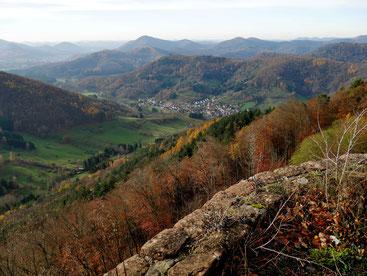 Blick von der Neuscharfeneck auf Dernbach
