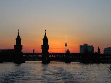 Spree, Oberbaumbrücke, Fluss, Stadt, Wasser, Ufer, Dämmerung, Berlin