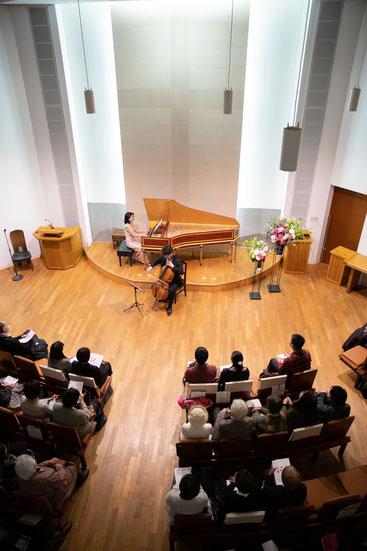 チェロ 演奏風景 二重奏