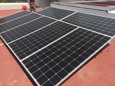 Este cliente ya esta ahorrando mucho en electricidad con sus paneles solares.
