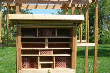 Insektenhotel im Rohbau