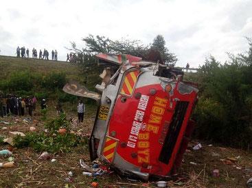 Micidiale incidente di un autobus senza licenza sulla tratta Nairobi-Kisumu