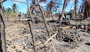 Uno dei villaggi distrutti da jihadisti, a Cabo Delgado