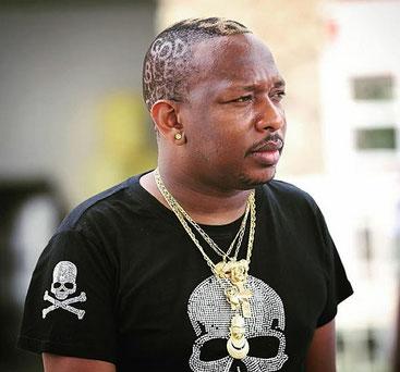 Il governatore di Nairobi Mike Sonko