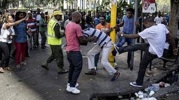 Non si arresta la febbre di xenofobia in Sudafrica
