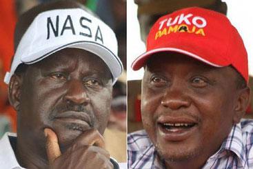 Raila Odinga (a sinistra) e Kenyatta (a destra)