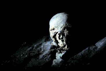 La «grotta dei ribelli» a Caia Zeret conserva i resti umani di migliaia di uomini, donne e bambini gasati dagli italiani nel 1939