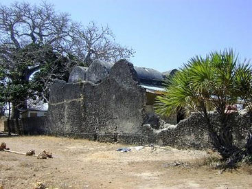 Vista della Moschea Kongo a Tiwi Beach