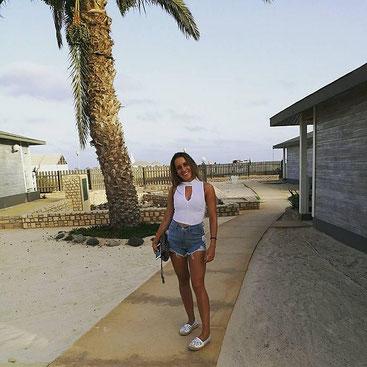 Silvia Costanza Romano sul litorale keniota