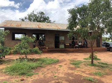 La scuola di Chakama dove si è tenuta l'udienza sul rapimento di Silvia Romano