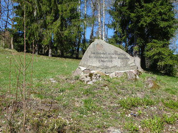 Gedenkstein auf dem Oberen Berggrabenweg