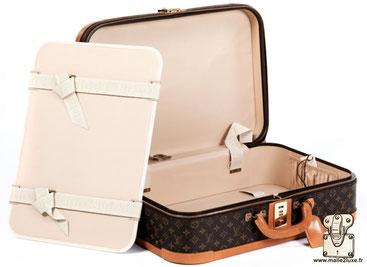 Stratos 1990 suitcase