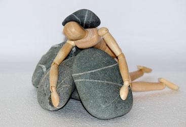 Yoga wirkt gegen Stress, Burnout, Bluthochdruck und viele weitere Krankheiten. Doch bei Infekten, akuten Rückenleiden, etc ist es besser mit Yoga zu pausieren