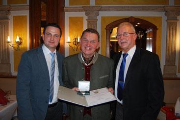 v.l.n.r GR David Binder, Karl Asanger, Stadtrat Günther Gschwandtner