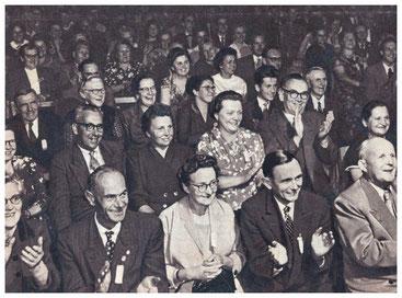 Lotzdorf lacht. (Quelle: Zeit im Bild 1959; Peri)