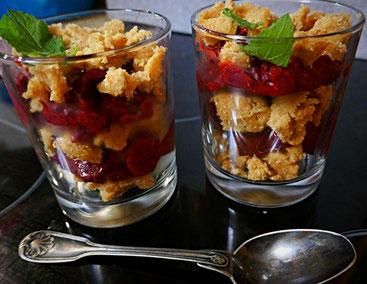Spooning - rohe Vanillestreuseln mit basisch veganem Eis