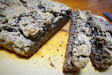 Mohnbrot - basisches getreidefreies Brot mit Mohn