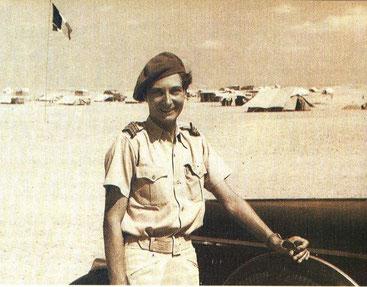 Miss Travers, chauffeur du général Koenig