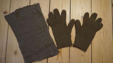 Tour de cou modèle 1938 et gants réglementaires en laine pour la reconstitution historique