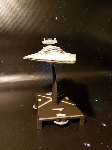Das letzte, was Rebellenabschaum in seinem Leben sehen sollte: den Bug des Imperialen Sternenzerstörers