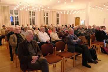 Plenum beim Abendvortrag von Dr. N. Back und K. Schweizer