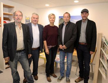 v.l.: Martin Herzberger, Johann Kalliauer, Sonja Hörmanseder (Krisenhilfe OÖ), Gernot Koren, Eugen Ertl