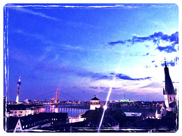 Dusseldorf, night, skyline, view, private-rooftop, lifestylette