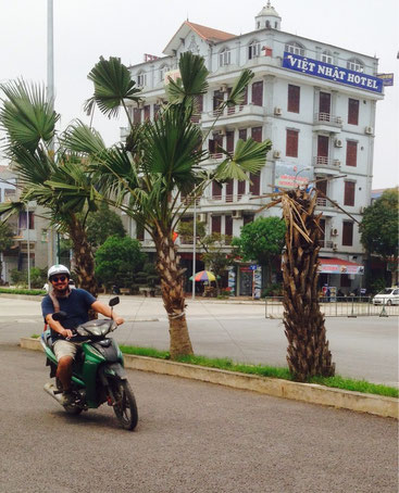 Mentre scorazzo in motorino a Ninh Binh, Vietnam