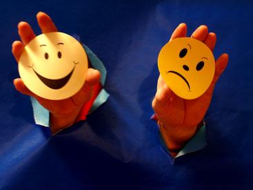 Alexithymie bezeichnet in der Psychologie eine stabile Persönlichkeitseigenschaft. Hauptmerkmal ist die inadäquate Wahrnehmung und Beschreibung von Emotionen. Es besteht die Gefahr der Somatisierung. Bild: S. Hofschlaeger via pixelio.de