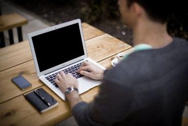Online Dating Fragen fürs Schreiben