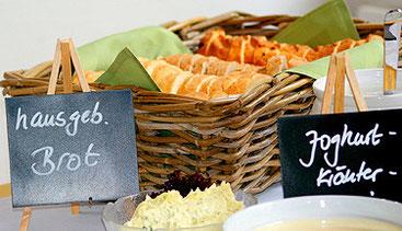 In der Küche des BTO Barendorf wird sogar das Brot selbst gemacht.