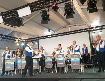 Goldbergmusikanten: Frühschoppen im Eventzelt Expo Rappi-Jona