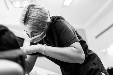 Bleaching (Zahnaufhellung) - Zahnärztliche Gemeinschaftspraxis Dr. Julia Tehsmer und Dr. Linda Bodart