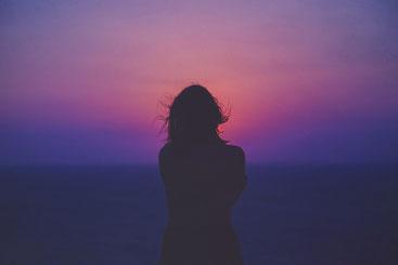 Angst, Traurigkeit, Einsamkeit und Verzweiflung können uns im Leben blockieren.