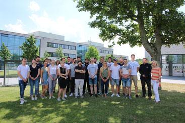 Studentinnen und Studenten der Hochschule Hamm-Lippstadt
