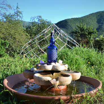 bouteille bleue, bouteille bleue cobalt, eau solarisé, fleur de vie, eau dynamisées