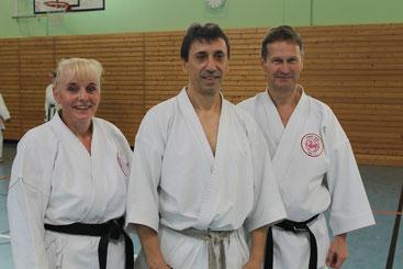 v. l..: Friederike Zeifang, Efthimios Karamitsos (7. Dan), Carsten Zeifang im Juli 2017 in Ahrensburg