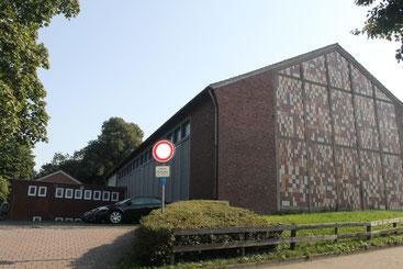 Parkplatz an der Sporthalle der Thuner Schule