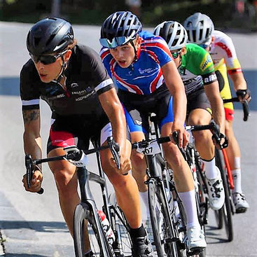 Michele Paonne führt in der Verfolgergruppe beim Rad-Bergrennen Chur-Arosa