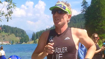 Philip Schädler auf der Laufstrecke des St. Moritz Triathlons